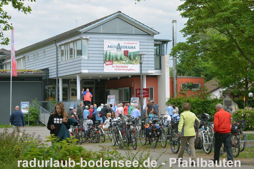 Radurlaub am Bodensee - Pfahlbauten Unteruhldingen